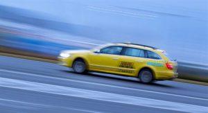 AAA TAXI nabízí objednání taxi voláním přímo z webu, stačí jeden klik