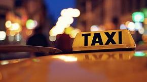 Poctiví řidiči TAXI pozor! Soud rozhodl, že nelegální podnikání není nelegální. Žádný předpis prý nezakazuje vydělávat přes aplikaci UberPOP bez plnění povinností dle zákona o silniční dopravě