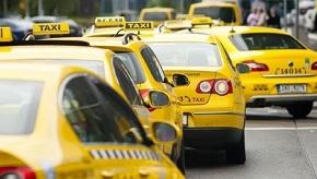 Nejlevnější taxi se musí přejmenovat. Jeho název klame spotřebitele, rozhodl soud – Aktuálně.cz